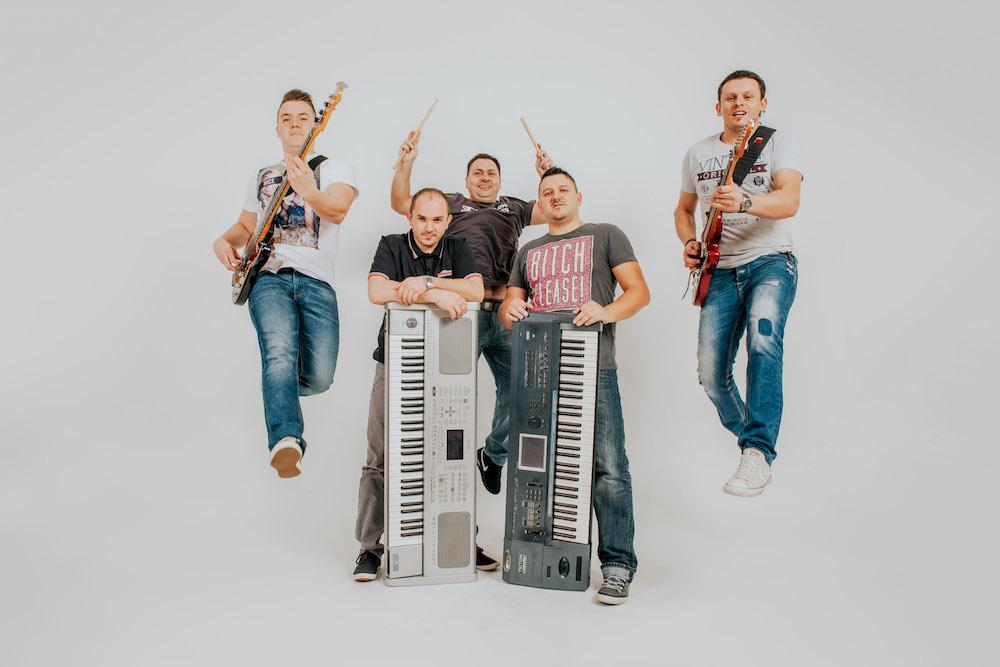http://www.band-havana.com/wp-content/uploads/2017/02/Havana-57.jpg